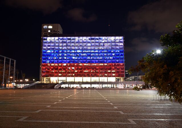 The building of the Tel Aviv City Hall, highlighted in the colors of the Russian flag in memory of those killed in the explosion in the metro of St. Petersburg