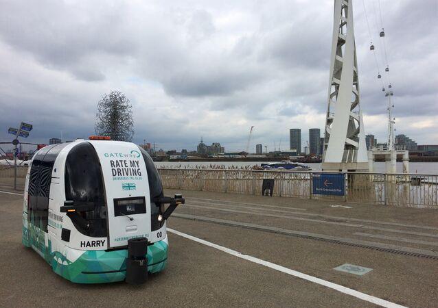 Driverless shuttlebus