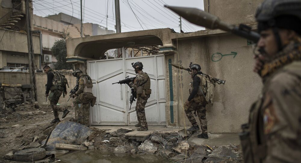 Iraqi special forces soldiers move toward the front line during fighting against Islamic State militants in west Mosul, Iraq, Friday, March 17, 2017