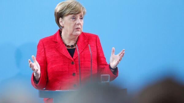 German Chancellor Angela Merkel attends an event that is honouring volunteers who help refugees, in Berlin, Germany, April 7, 2017. - Sputnik International