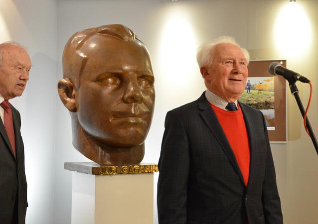 Alexej Jelissejew (l.) und Sigmund Jähn