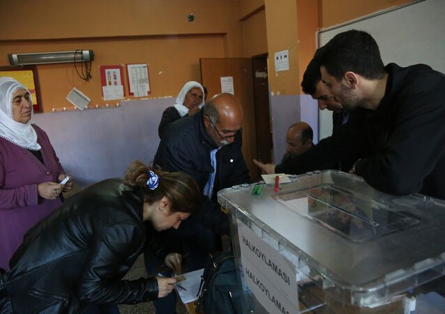 Voting at a polling station during the referendum in Diyarbakir