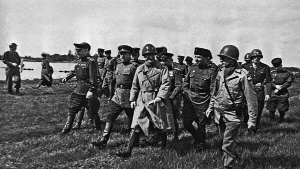 1945, last days of Great Patriotic War : Russians and Americans link at Elbe - Sputnik International