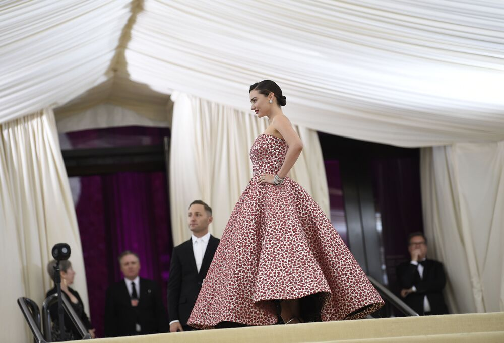 Met Gala 2017: Celebrities Show Off Jaw-Dropping Red Carpet Looks