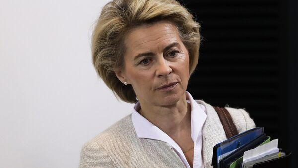 German Defense Minister Ursula von der Leyen arrives for the weekly cabinet meeting of the German government at the chancellery in Berlin, Wednesday, Nov. 30, 2016 - Sputnik International