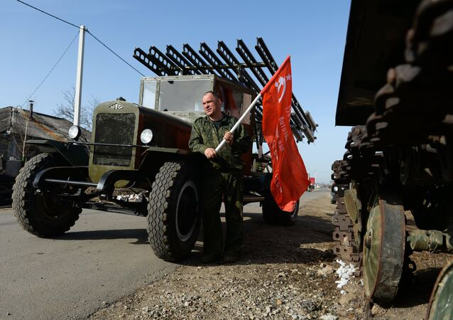 WWII Full-Scale War Machine Replicas Built by Russian Enthusiast