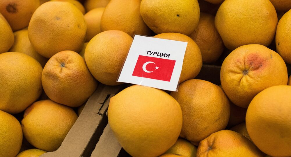 Turkish tangerines on sale in Omsk