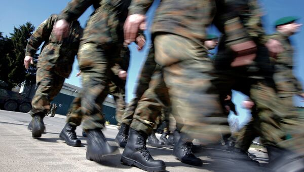 German Bundeswehr armed forces soldiers of the 371st armoured infantry battalion march during a media day of the NATO drill 'NOBLE JUMP 2015' at the barracks in Marienberg April 10, 2015 - Sputnik International