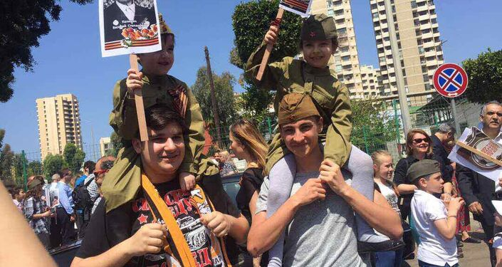 The Immortal Regiment march in Beirut. (Maximum available quality.)
