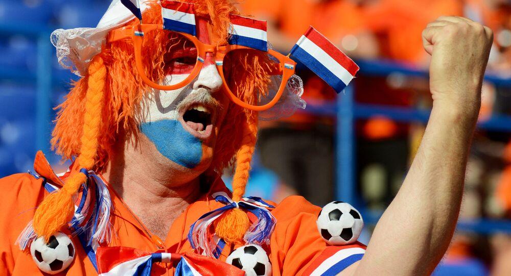 Dutch Football Fans Riot After Their Team Fails to Secure Title - Sputnik  International