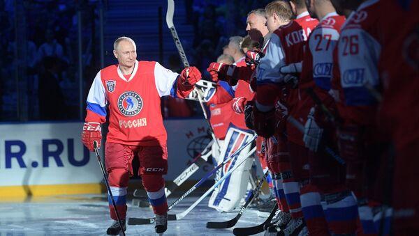 President Vladimir Putin participates in gala match of 6th Night Hockey League Festival - Sputnik International