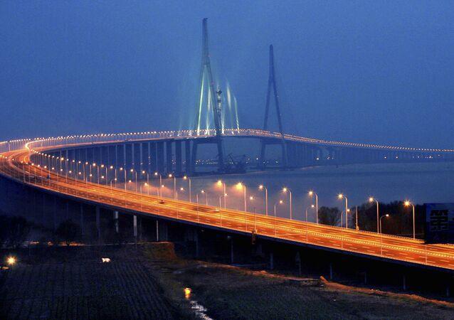 Sutong Bridge in Nantong, east China's Jiangsu Province (File)