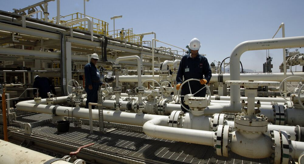 A worker is seen at the Tawke oil refinery near the village of Zacho, in the autonomous Iraqi region of Kurdistan (File)