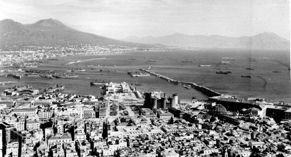 This photo of Naples during World War II shows Campi Flegrei ominously looming over the city to the northwest.