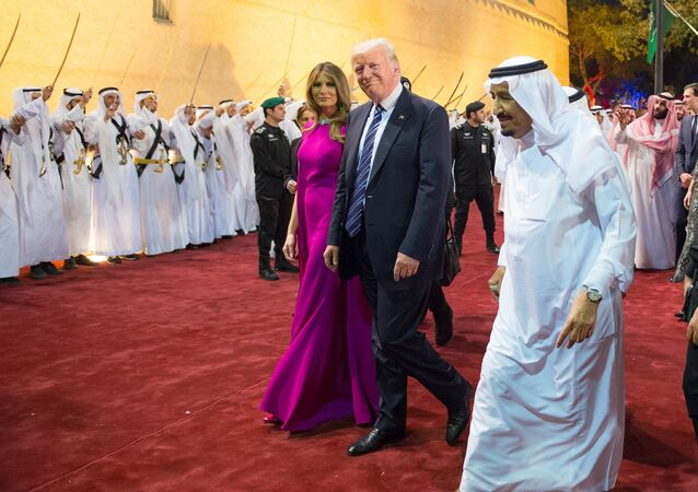 U.S. President Donald Trump and first lady Melania Trump are welcomed by Saudi Arabia's King Salman bin Abdulaziz Al Saud at Al Murabba Palace in Riyadh, Saudi Arabia May 20, 2017. Picture taken May 20, 2017