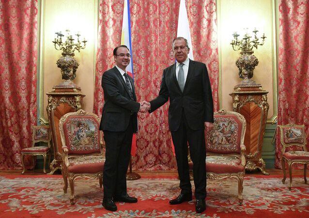 Alan Peter Cayetano and Sergei Lavrov