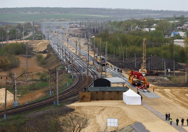 Construction of the Zhuravka-Millerovo railway block of the double-track electric railway bypassing Ukraine in the Voronezh Region. File photo