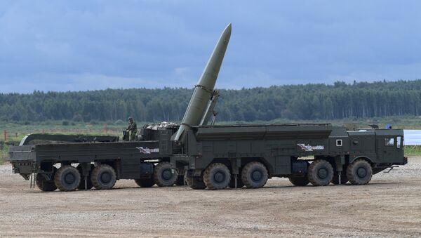 Iskander-M missile system during a military machine demonstration at the Alabino training ground - Sputnik International