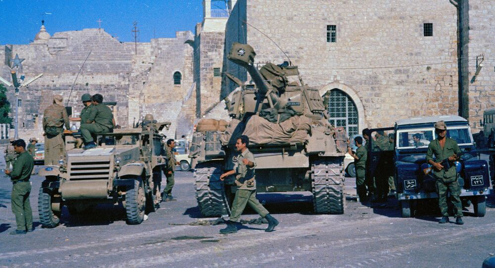 Israeli tanks pause in Bethlehem, June 1967