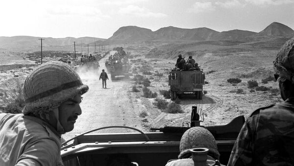 A platoon of Israeli armoured cars is seen moving through the southern Sinai, Egypt, during Israel's invasion of the Sinai in the six day war of Israel, June 7, 1967 - Sputnik International
