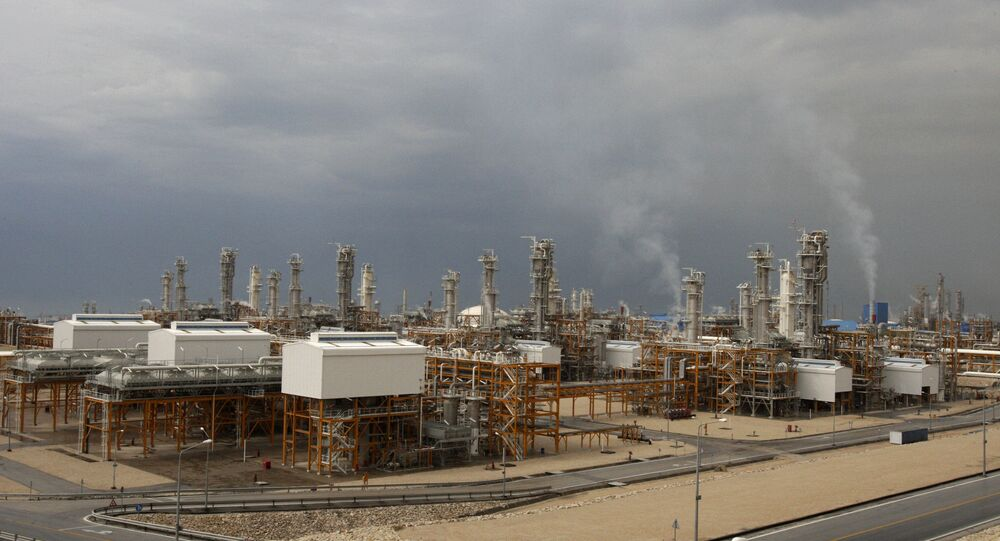 an aerial view shows the third gas refinery of South Pars gas field in Assalouyeh, Iran on the northern coast of the Persian Gulf (File)