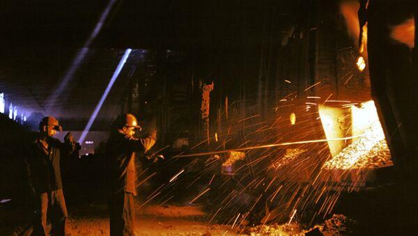 Steel smelting at Krivorozhsky Metallurgical Plant. File photo - Sputnik International