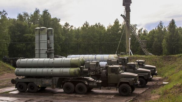 S-300 Favorite surface-to-air missile systems during a bilateral drill of air defense and aviation forces of the Western Military District - Sputnik International