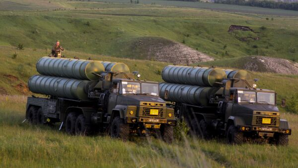 S-300 Favorite surface-to-air missile systems during a bilateral drill of air defense and aviation forces of the Western Military Distric - Sputnik International