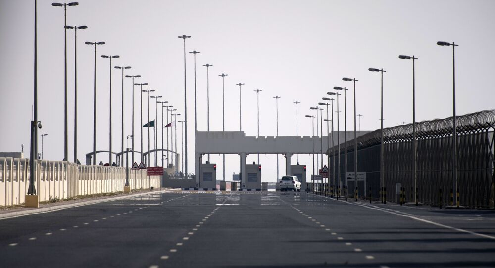 Checkpoint on the closed border between Qatar and Saudi Arabia