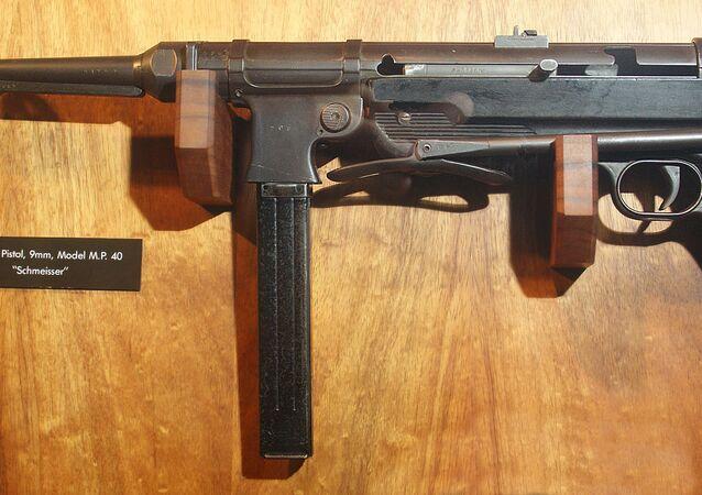 Machine pistol, 9mm, Model M.P. 40 Schmeisser submachine gun. Exhibited at the Battery Randolf US Army Museum in Honolulu, Hawaii.
