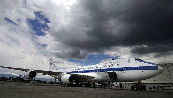 A Boeing E-4B at Bogota Airport in Colombia - Sputnik International