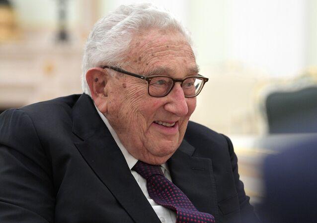 President Vladimir Putin meets with former US Secretary of State Henry Kissinger