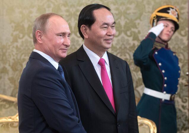 Russian President Vladimir Putin meets with President of Vietnam Tran Dai Quang