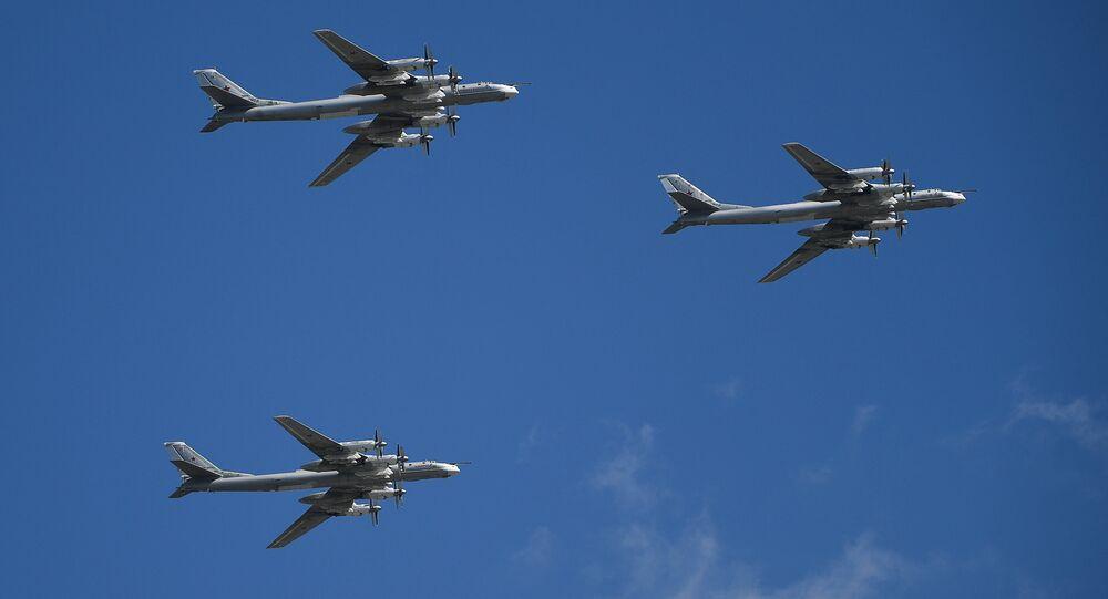 Tu-95MS strategic bombers