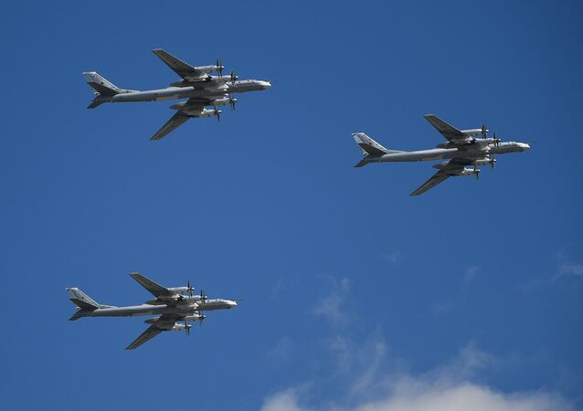 Tu-95MS strategic bombers
