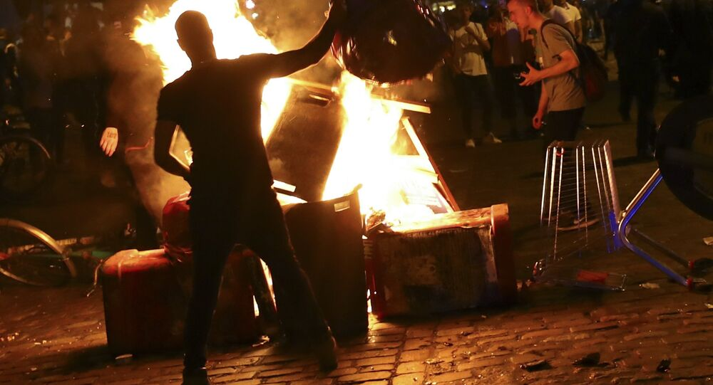 Anti-G20 protesters light garbage in front of the Rote Flora building in the alternative Hamburg Schanze district following clashes with German riot police in Hamburg, Germany, July 6, 2017