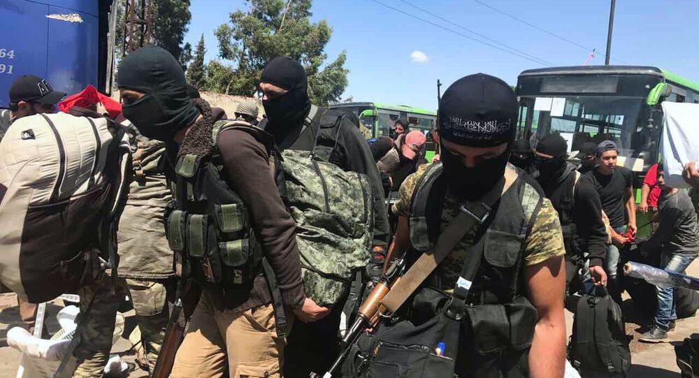 Last stage of militants' evacuation from Al Waer, Homs