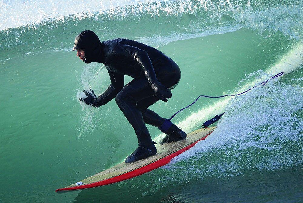 Wind, Waves, 15 Degrees Below Zero: Winter Surfing on Russia's Pacific Coast