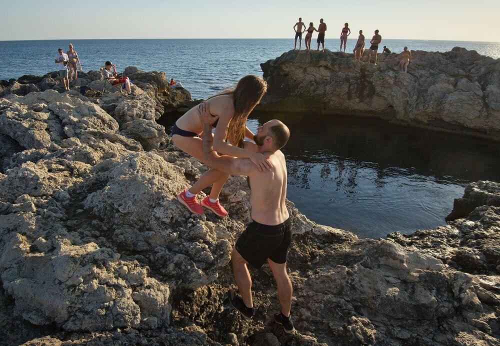 Fantastic Beaches and Natural Wonders of Cape Tarkhankut in Crimea