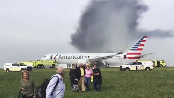 American Airlines Plane Catches Fire At Chicago O'Hare Airport - Sputnik International