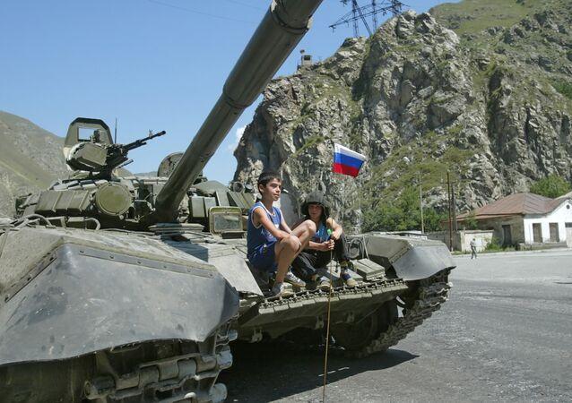 A Russian tank in a suburb of Tskhinvali. File photo