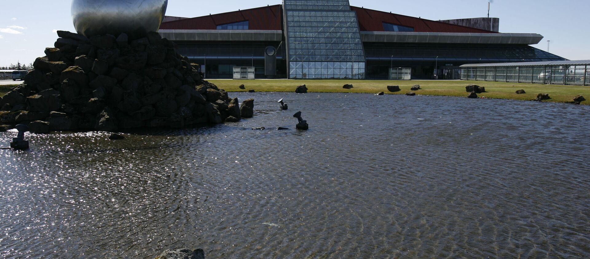 A general view of the exterior of Keflavik airport, Keflavik, Iceland  - Sputnik International, 1920, 18.03.2021