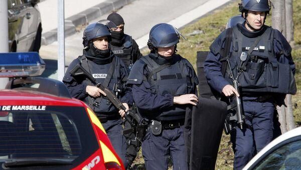 Police officers at  Marseille, southern France - Sputnik International