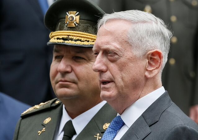 U.S. Secretary of Defense James Mattis (R) and Ukraine's Defence Minister Stepan Poltorak attend a welcoming ceremony in Kiev, Ukraine August 24, 2017