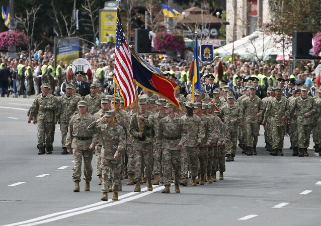 US servicemen (front) march during a military parade marking Ukraine's Independence Day in Kiev, Ukraine August 24, 2017 (File photo).