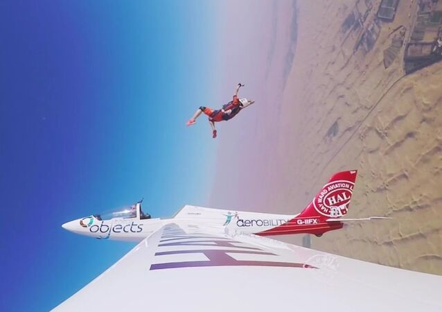 GoPro Awards: Skydiver Ejects From Glider