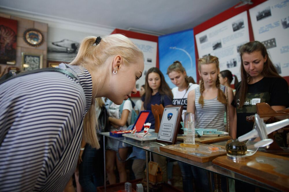 Sky's the Limit: Russia Resumes Training Female Military Pilots