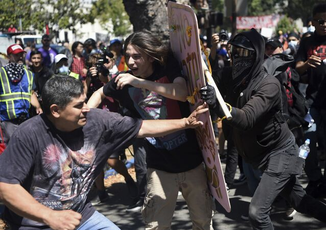 Protesters from different mobilizations collide in Berkeley, California