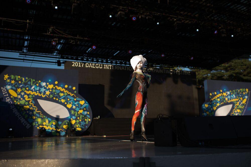 Naked Beauty: Mesmerizing Body Art Show in South Korea