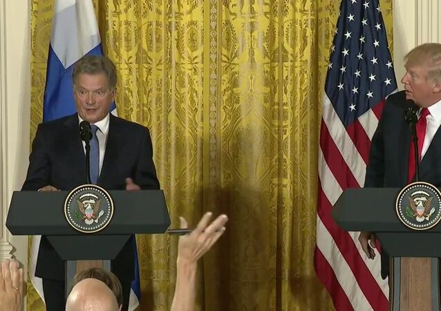 Trump CONFUSES two blonde Finnish reporters during press conference 8/28/2017